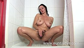 hairy milf vanessa in the shower Tube Videos