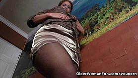 Latina milf Sandra needs relaxing after a hard day s work